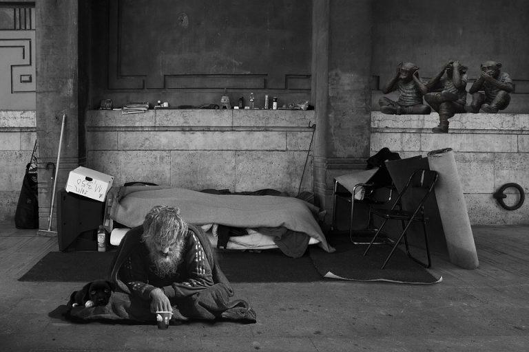 Bretagne. Simon, Maëlle, Michel, Antoine : ces SDF morts dans la rue en 2017
