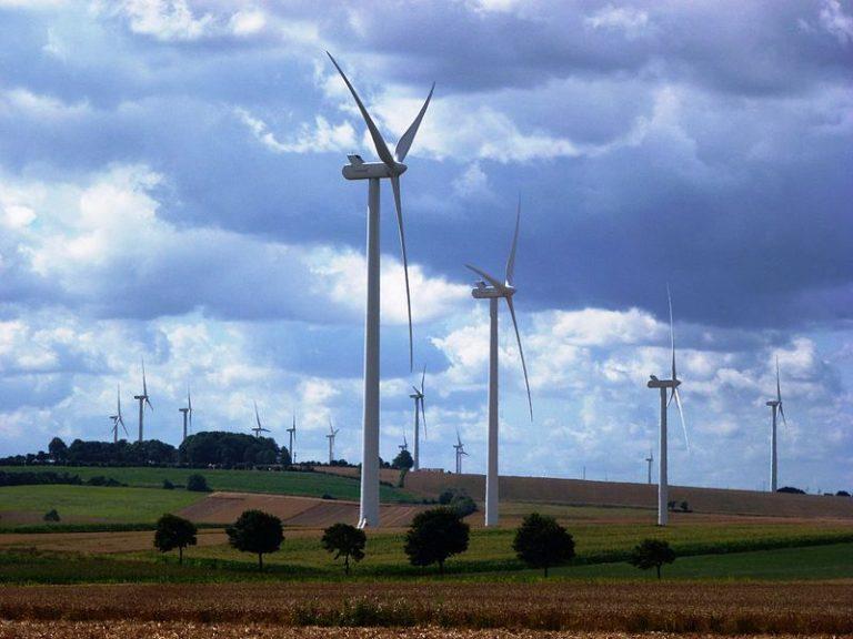 Éoliennes. Financement participatif, risques et obsolescence