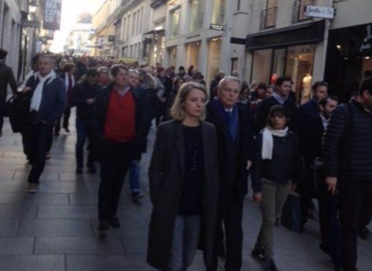 Nantes: Jean-Marc Ayrault en tête de la marche blanche pour Mireille Knoll