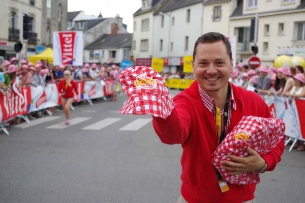 Tour de France 2018. Pour avoir son bob cochonou, c'est à Poullaouen qu'il faudra être !