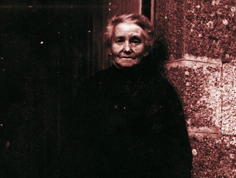 Constance Le Mérer,  collectrice de chants populaires dans le pays de Lannion