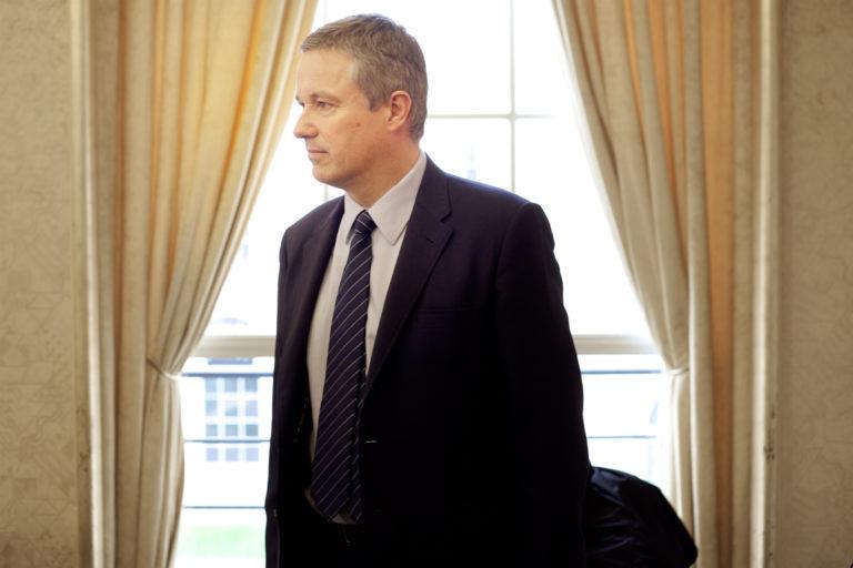 Référendum sur l'immigration. Nicolas Dupont-Aignan à Quimper le 2 mai