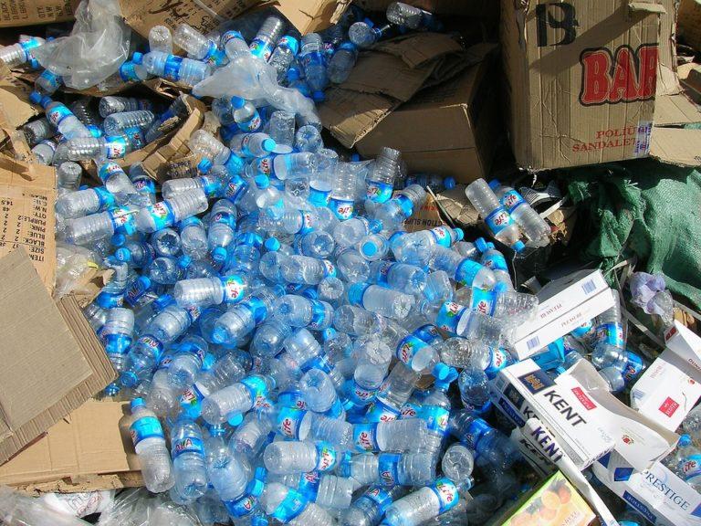 Particules de plastique : on en ingérerait jusqu'à 120 000 par an