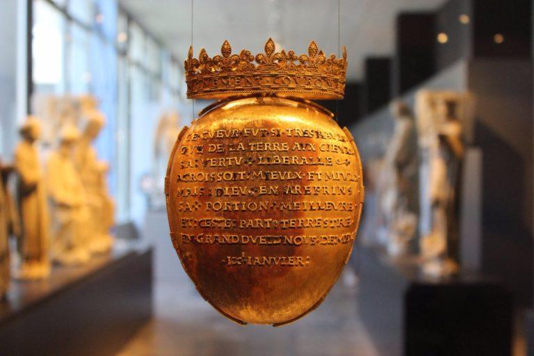 Vol du reliquaire d'Anne de Bretagne : un des cambrioleurs risque de perdre 10.000 euros