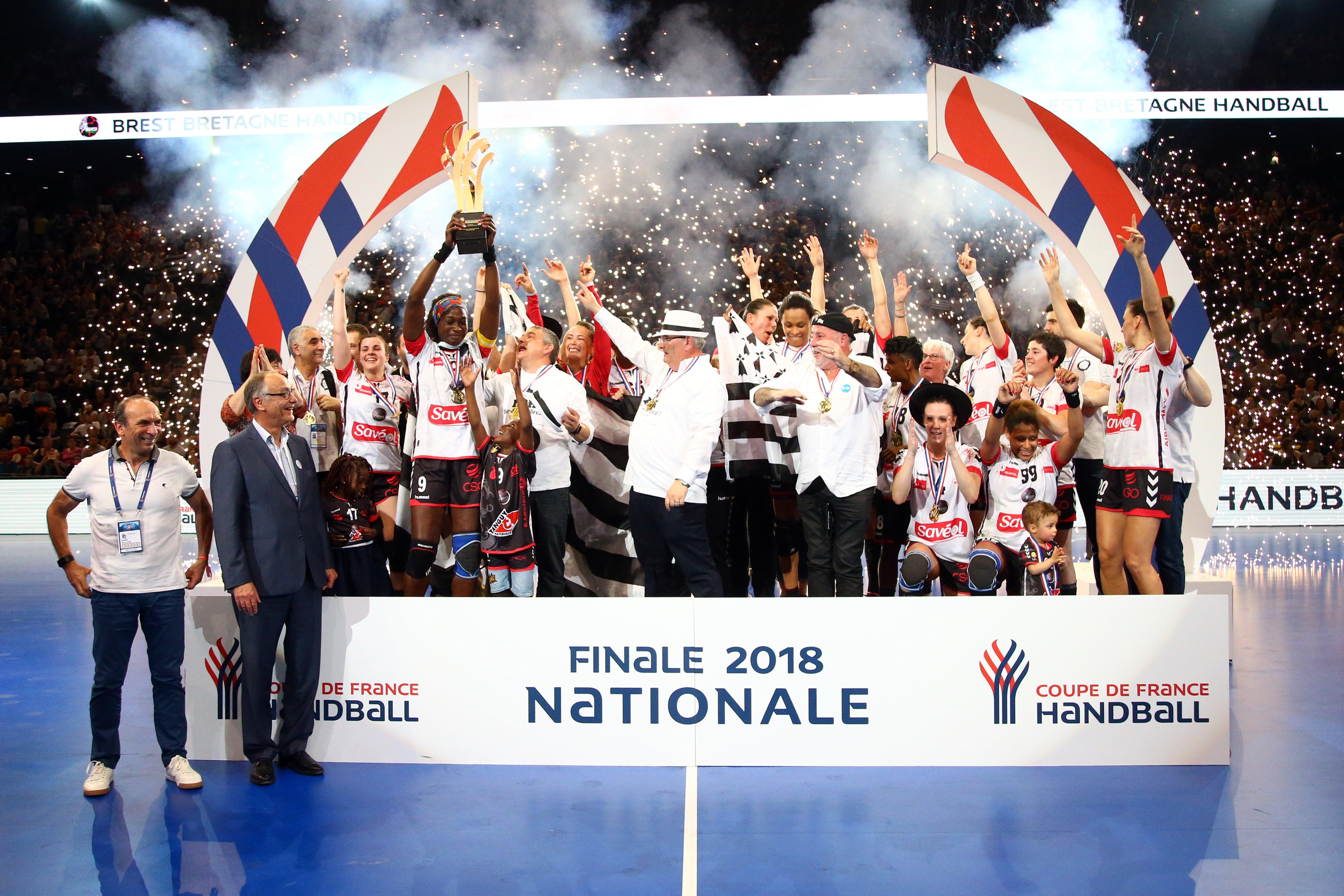 Handball les filles de brest remporte la finale de la coupe de france - Handball coupe de france ...