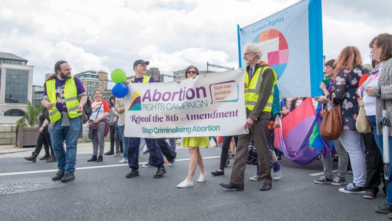 Référendum sur l'avortement en Irlande. Le « Oui » l'emporte à 66%