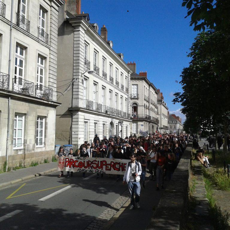 Nantes: la manifestation d'extrême-gauche contre Parcoursup vire à la farce