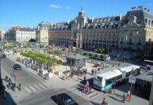 800px-Rennes_place_de_la_République_DSC_4521