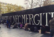 Paris._Ma_ville._Place_de_la_republique._Not_afraid._Fluctuat_nec_mergitur_(22466819923)