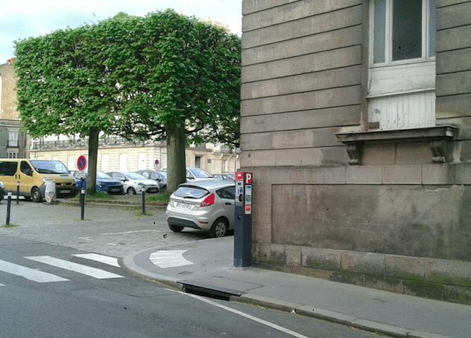 Nantes : Ces places à 135 € d'amende devant la Préfecture