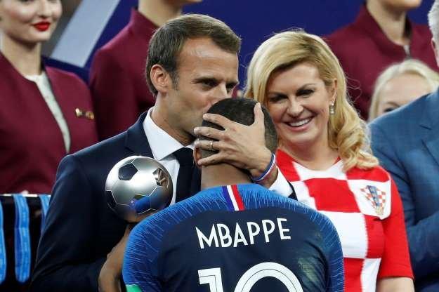 Emmanuel Macron, champion du monde de la récupération [Vidéos]