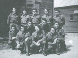 Formation à Delville Camp Alexis Le Gall rang du milieu à gauche