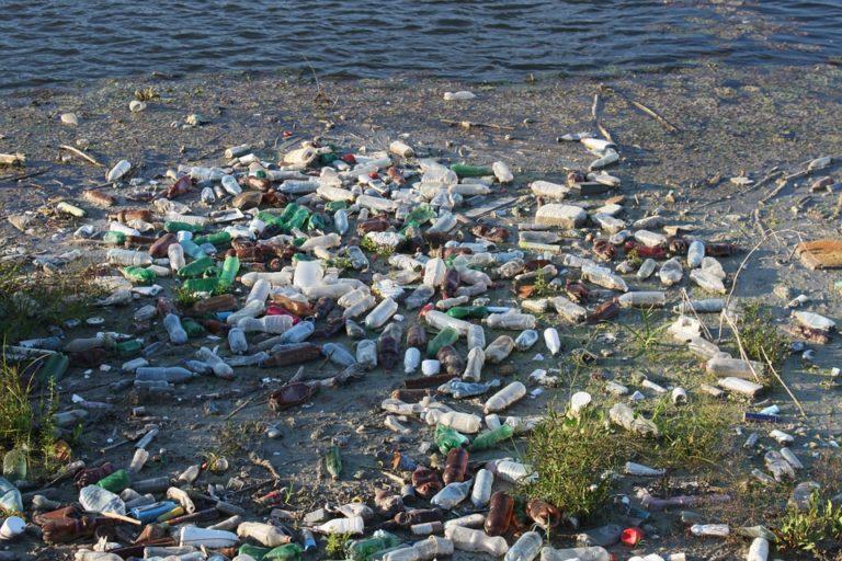 Plastiques dans les océans : l'Union européenne montre la voie ! [Vidéo]
