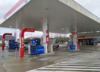 Station_essence_Esso_à_Dole_(4)