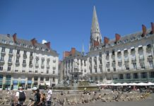 1280px-Place_Royale_(Nantes)