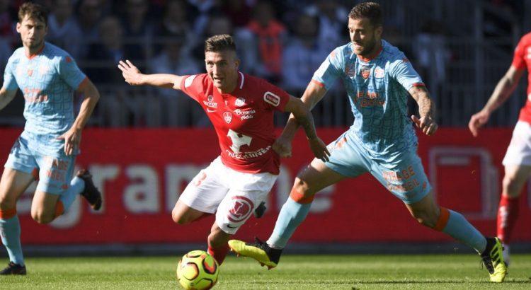 Football, Ligue 2. Mi-saison : Brest à la fête, Lorient au ralenti