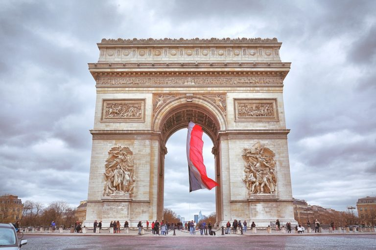 L'Arc de Triomphe, la Tour Eiffel et le château de Versailles : le top des destinations Uber en 2018