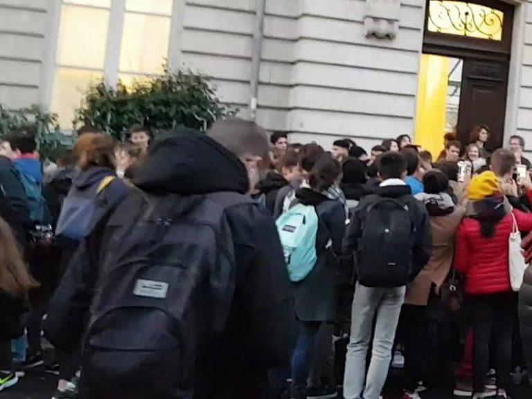 Mardi noir des lycées : des établissements bloqués et des manifestations partout en Bretagne