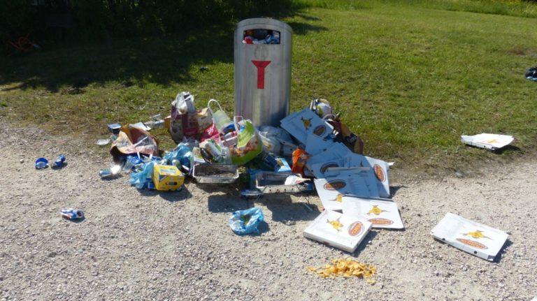 Dinan. Excédé par les dépôts sauvages d'ordures ménagères, le maire les rapporte chez un des fautifs