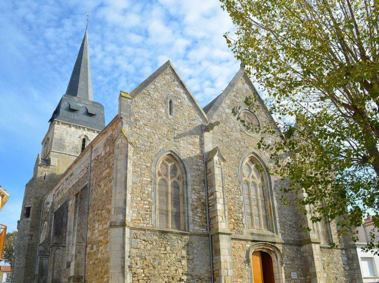Vendée/Côtes-d'Armor : des églises vandalisées, des églises cambriolées…