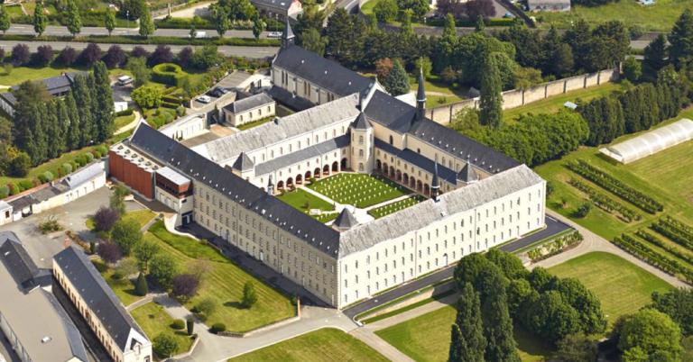 Découverte. L'abbaye de La Coudre (53) et ses flans !