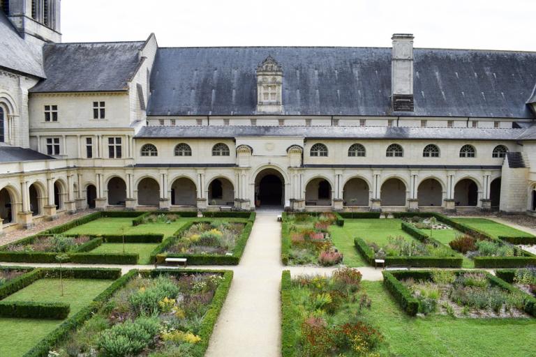 À Fontevraud, les Pays de la Loire au-delà de la gabegie