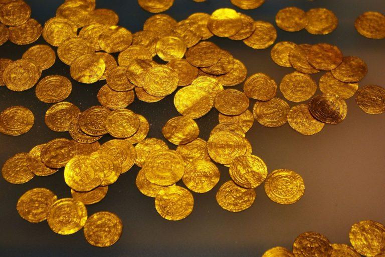 Vannes. Il attendait un maillot de bain, il reçoit des lingots d'or !