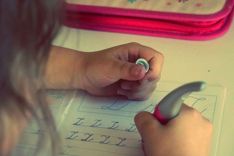 Éducation. Les devoirs d'école primaire trop difficiles pour les parents ?