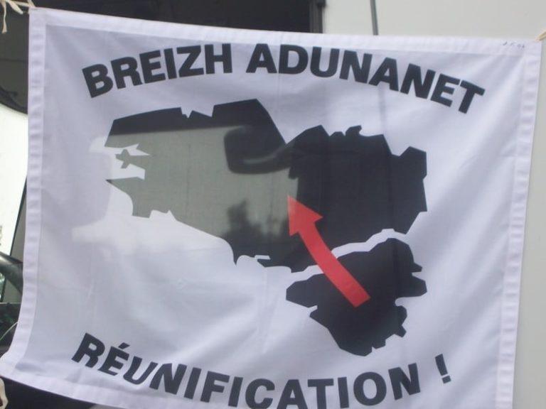 Tribune pour la réunification de la Bretagne publiée dans le  JDD : le Rassemblement national dénonce un « bal des hypocrites »