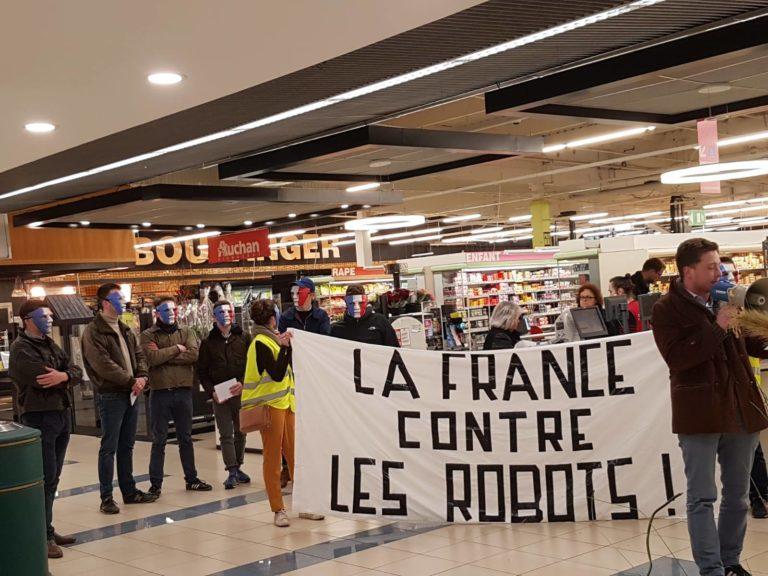 Angers. Une action contre la suppression des caissières chez Auchan [Vidéo]