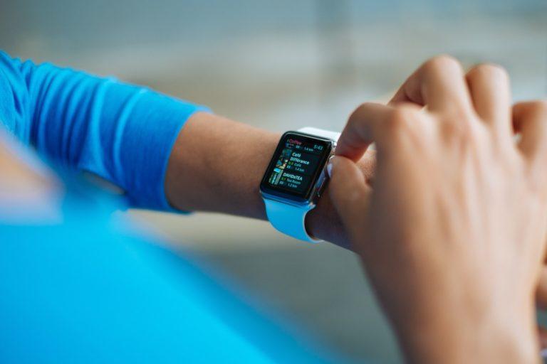 Secourisme. Les troubles du rythme cardiaque bientôt détectés grâce à l'Iphone et à l'Apple Watch ?