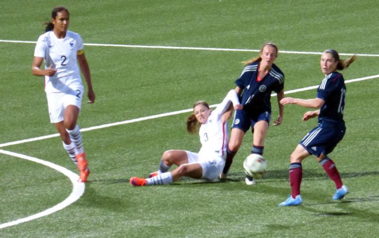 Le football féminin est l'avenir du ballon rond [L'Agora]