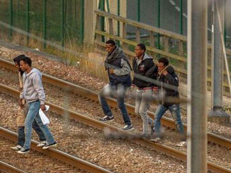 Sondage. 15% des Français seulement veulent d'une politique qui favorise l'accueil des migrants