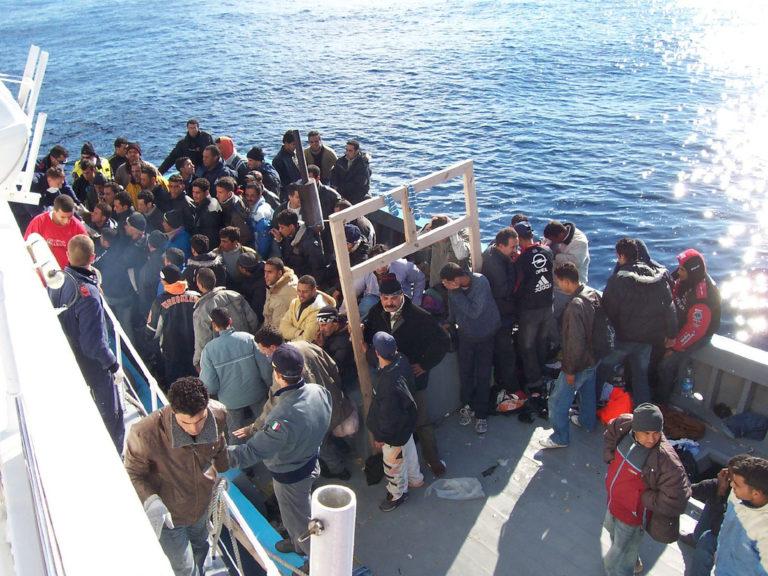 Contre-amiral Nicola De Felice : « La gestion des flux de migrants illégaux incontrôlés pourra être résolue lorsque l'Italie, la France et l'Allemagne seront en harmonie politique sur la question »