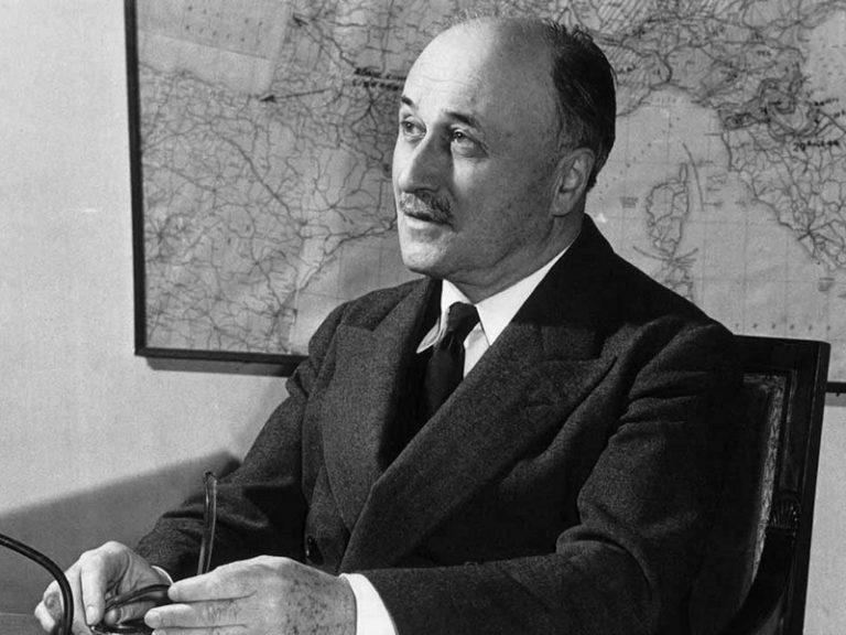 Philippe de Villiers assassine Jean Monnet