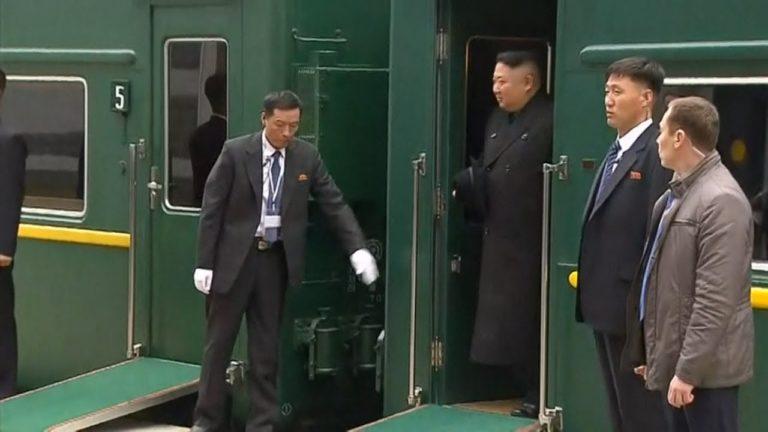 Kim Jong-un est arrivé à Vladivostok à bord de son train blindé avant de rencontrer Vladimir Poutine [Vidéo]