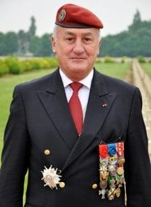 Union Nationale des Parachutistes : hommes d'honneur, présidents soumis Gal_Cambournac_03