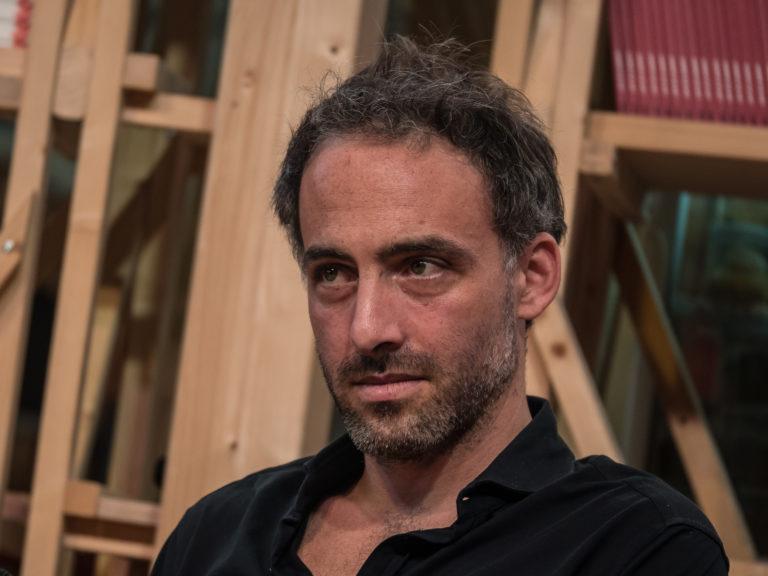 Raphaël Glucksmann : « Le Parti socialiste a payé cher le prix de l'expérience du pouvoir et de ses divisions » [Interview]
