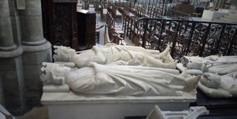 A St-Denis, territoire sacré, saccagé et abandonné, dans les pas de Jean Raspail [Tribune libre]