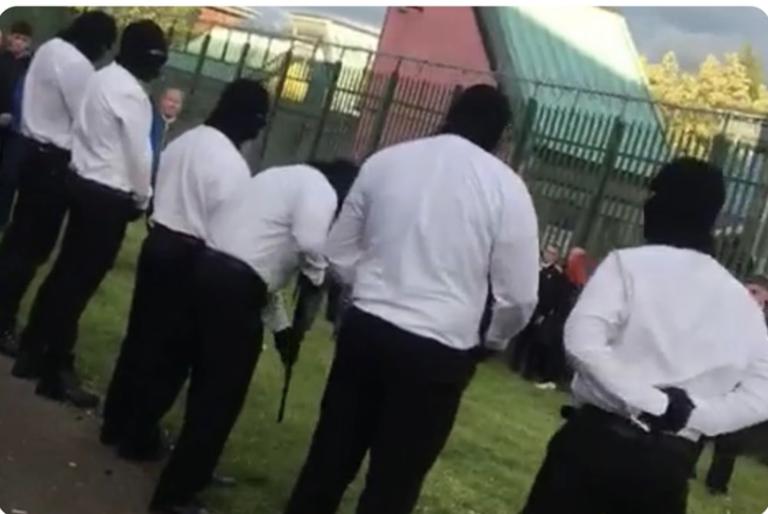 Belfast. Des hommes masqués et armés rendent hommage à Martin McElkerney (INLA)