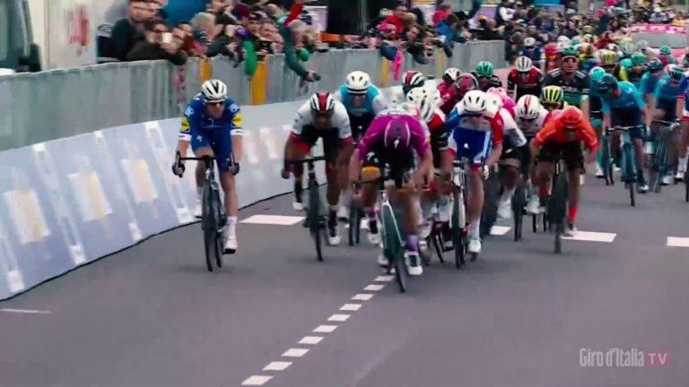 Giro – Tour d'Italie 2019. Gaviria proclamé vainqueur de la 3ème étape après déclassement de Viviani [Vidéo]