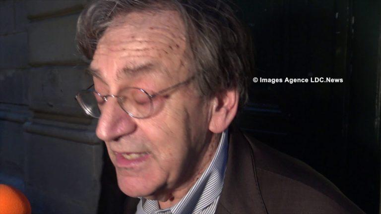 « On va te pendre » ? La vidéo hallucinante d'antifas face à Alain Finkielkraut devant Sciences Po [Vidéo]