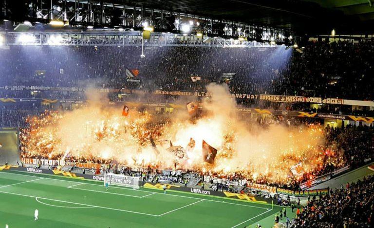 Football. L'actu des tribunes: Francfort envahit l'Europe, «homophobie» et Mussolini