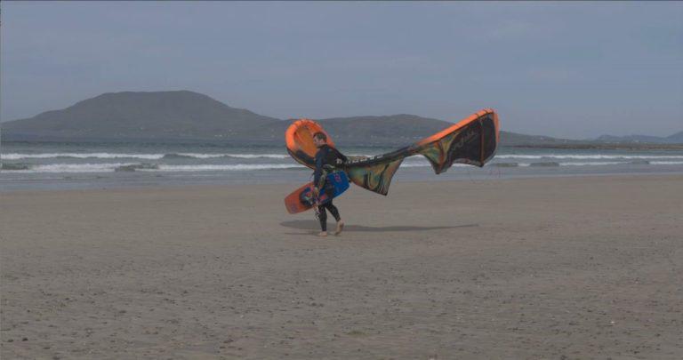 Insolite. Il va relier l'Irlande à la Bretagne en kitesurf