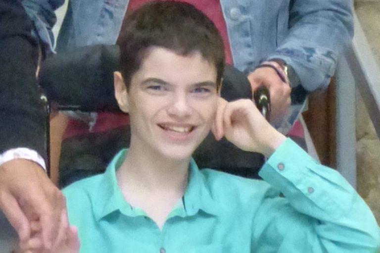 Quimper. Appel à la solidarité pour Loig, un jeune handicapé