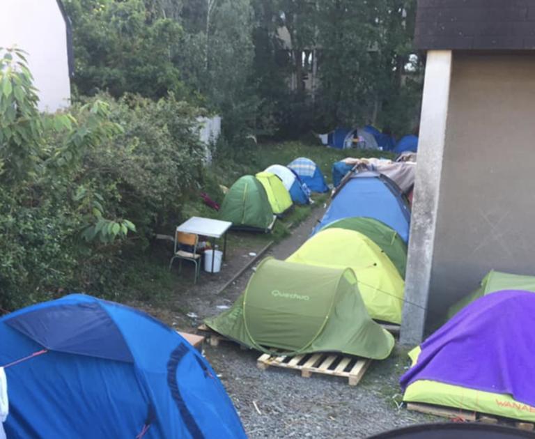 Invasion de migrants à Nantes. Le squat de Saint-Herblain s'agrandit