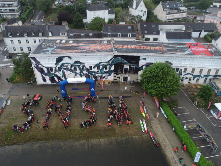 À Vannes, l'hommage des paddleurs aux Sauveteurs en Mer et à la SNSM
