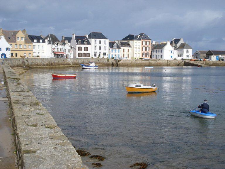 Île de Sein. Le canot SNSM prêté aux Sables-d'Olonne, colère contre le siège parisien