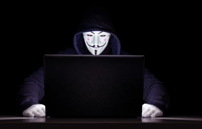 Family Employee Monitor : Alerte sur une nouvelle application d'espionnage pour parents et employeurs