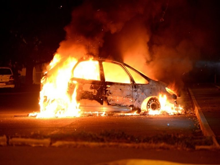 Nuit du Nouvel An 2019-2020. Plus de 1000 voitures incendiées en France [MAJ]